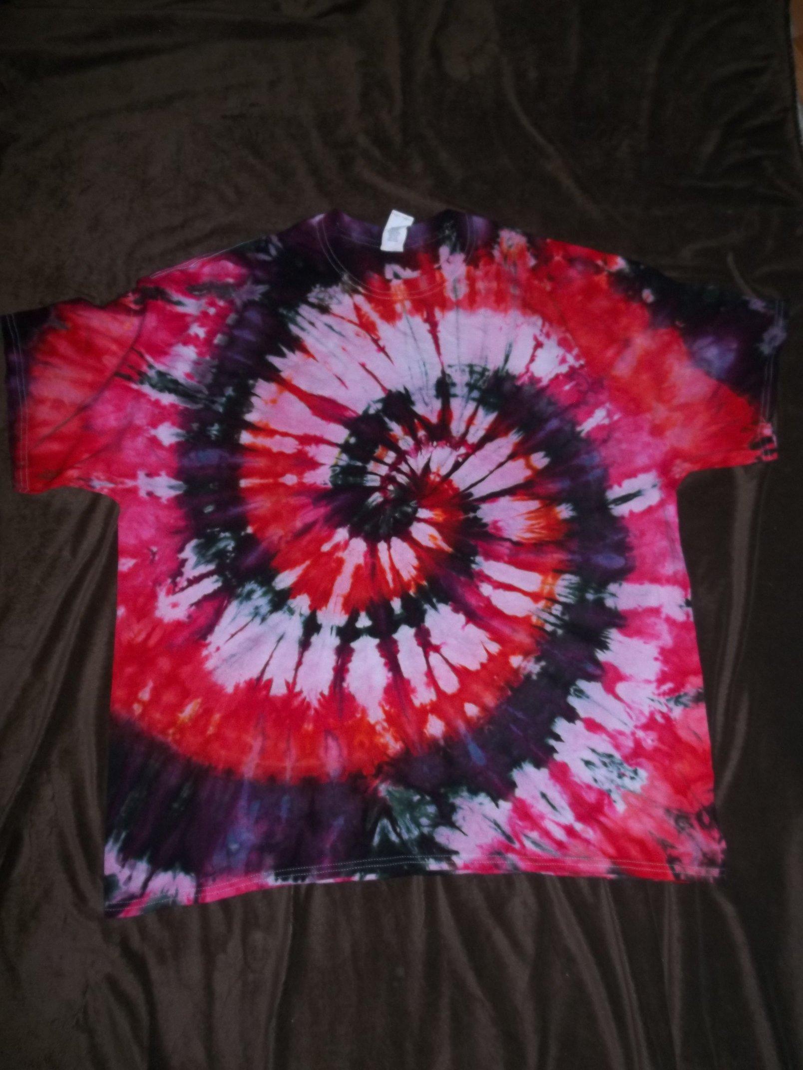 XXL Gildan Heavy Tie Dye Tee Shirt   Facebook