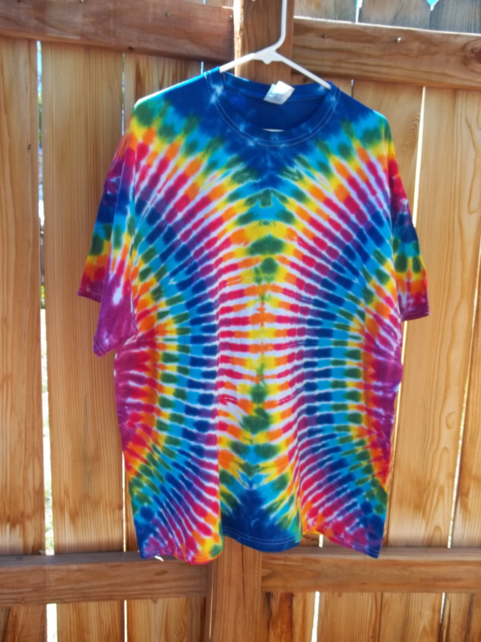 XXL Gildan Rainbow Tie Dye   Facebook